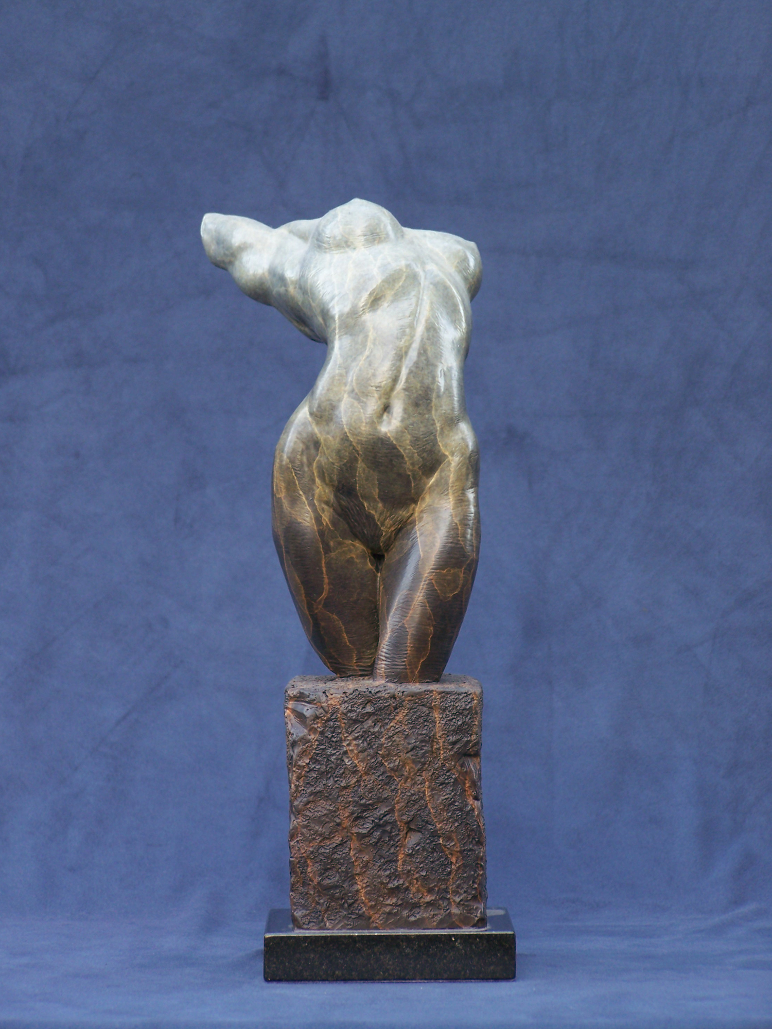 fine art female nude sculpture